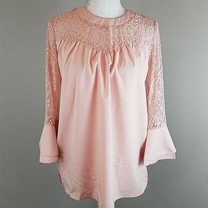 Tops - Gorgeous Rose Pink long sleeve top w/lace detail